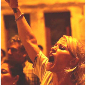 Allanan la casa de la Emilia Vassallo, la reducen, la golpean, la esposan y la privan de su libertad