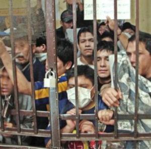 La Gremial de Abogados denunció penalmente al gobernador Axel Kicillof  y al titular de Justicia,  Julio Alak, entre otros, por «el nefasto abandono» de lxs detenidxs en las cárceles bonaerenses