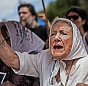Nora Cortiñas expresa su apoyo al machi Celestino Córdova y a los 26 presos políticos mapuche