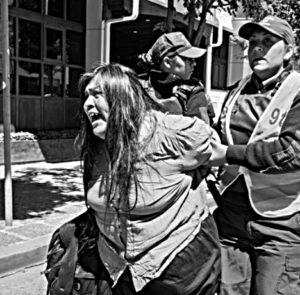 «Exigimos la inmediata libertad de la compañera lagmien Mirta Curuwinka y de todxs lxs detenidxs»