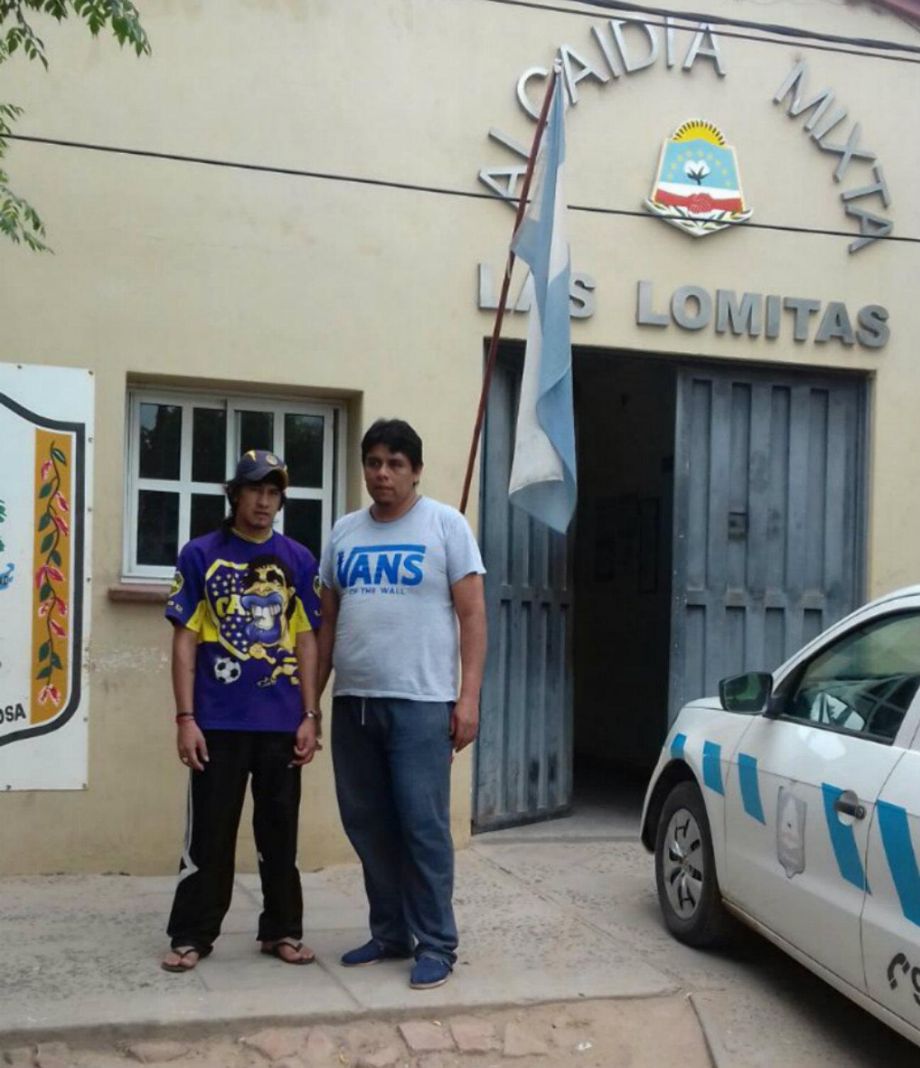 Agustín,(derecha) al salir del encierro