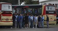 Trabajadores de la 60 reanudan servicio sin cobrar boleto