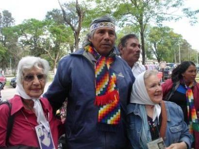 Félix Díaz acampa en Buenos Aires por los derechos del pueblo Qom