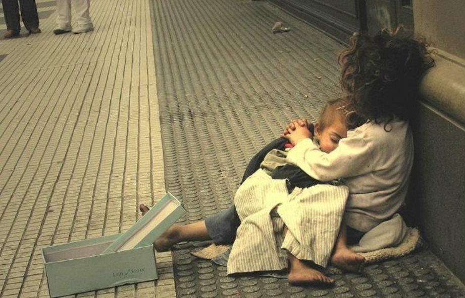 CABA: 4394 viven en las calles de la ciudad más rica del país  y otras 1.478 duermen en paradores públicos