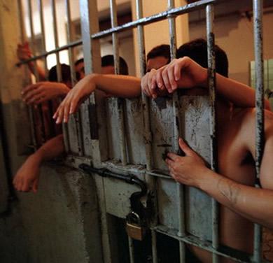 Tortura: Una práctica cotidiana en las cárceles (Informe 2013)