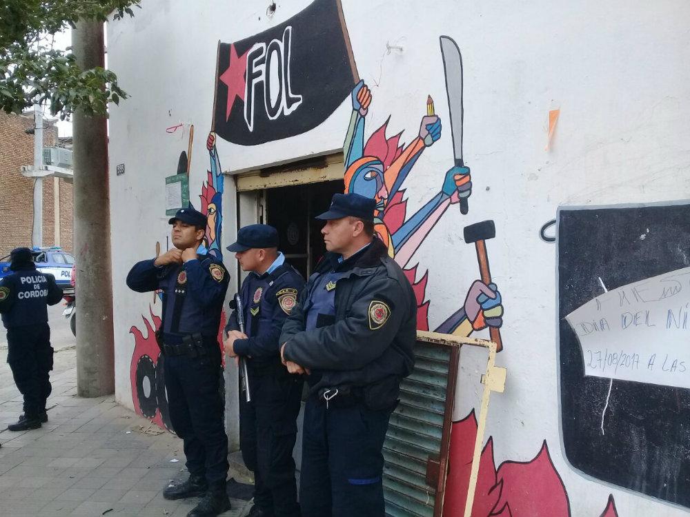 AHORA: DETENCIONES Y ARRESTOS EN CÓRDOBA A PARTICIPANTES DE LA MARCHA CONTRA EL GATILLO FÁCIL REALIZADA EL LUNES