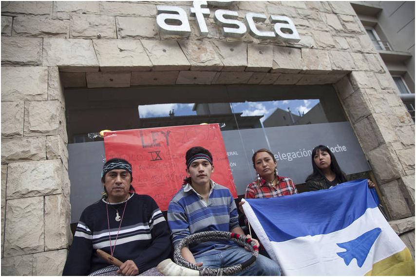 Bariloche: Mapuches tomaron sede del AFSCA en reclamo de sus derechos