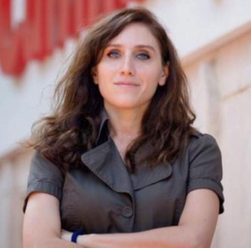 La periodista turca Pelin Ünker fue condenada a prisión por denunciar la corrupción del poder