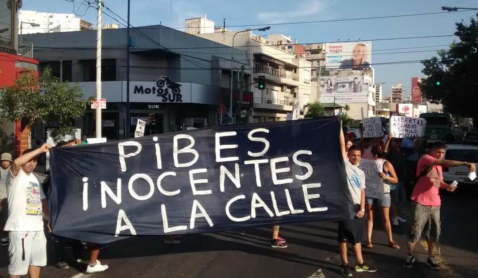 Concentración por la libertad de Danilo, Claudio y Matías