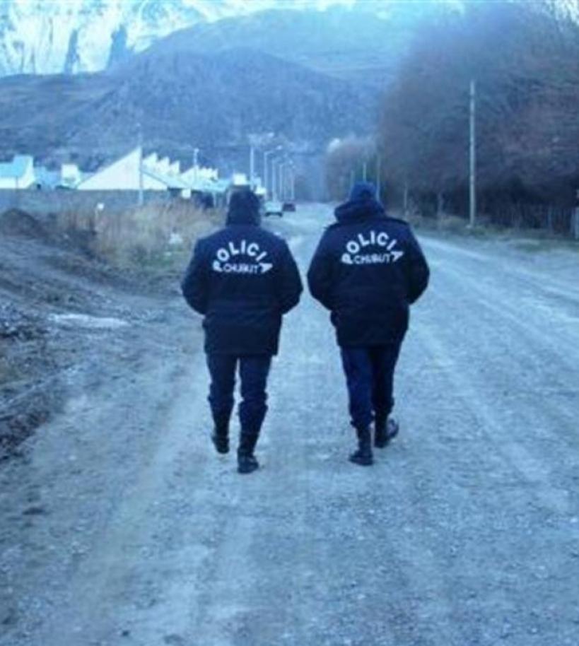 Policías de Chubut obligaron a desnudarse y revolcarse en agua helada a 19 presos