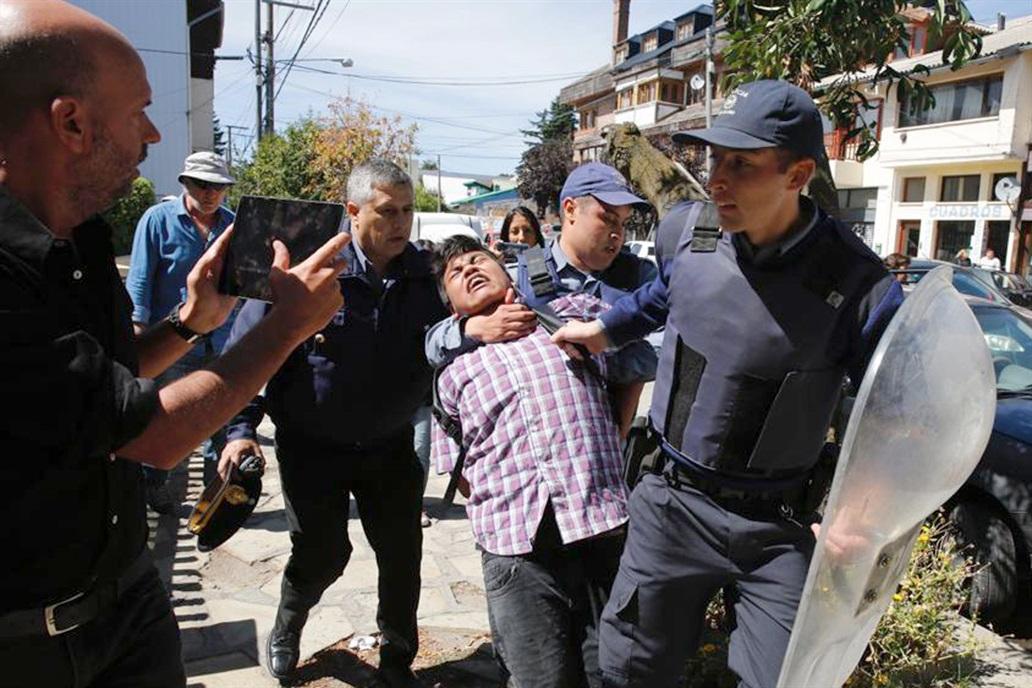 20 detenidos tras el fallo de extradición a Facundo Jones Huala –Autoconvocatoria 18:30 en el Congreso de la Nación: ¡Basta de represión al pueblo mapuche – Basta de criminalizar la protesta!