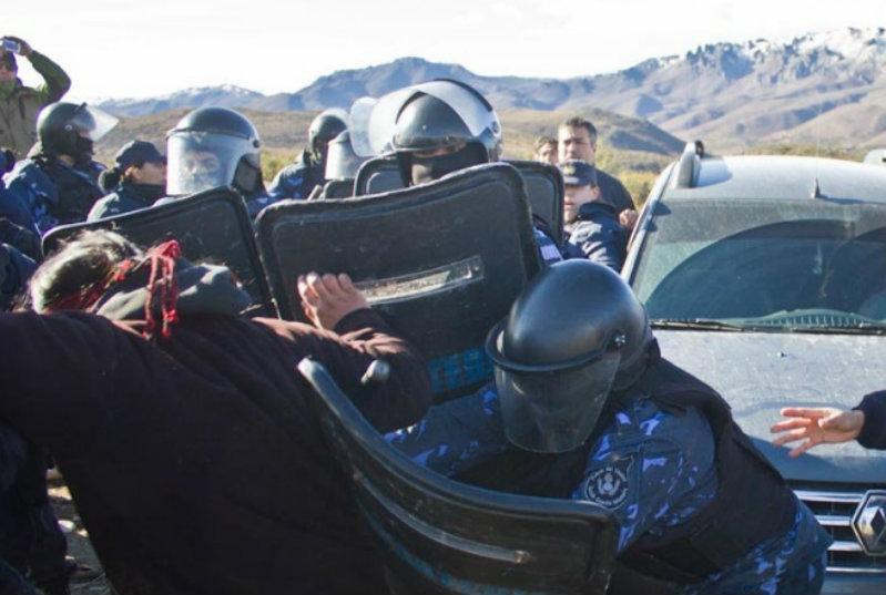Cushamen: Detenidos y heridos en brutal represión a mapuches